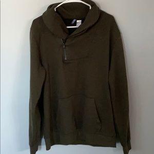 H& M sweater